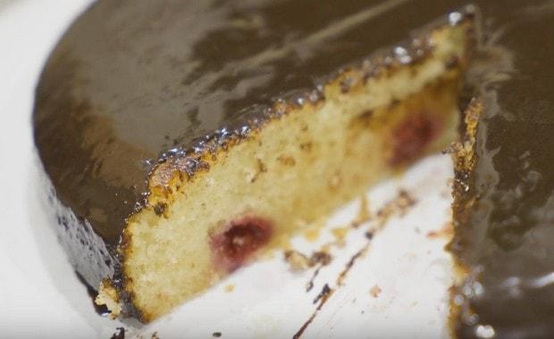 Пошаговый рецепт приготовления пирога с малиной