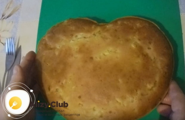 Вот таким красивым получился пирог с сайрой и картошкой по этому рецепту.
