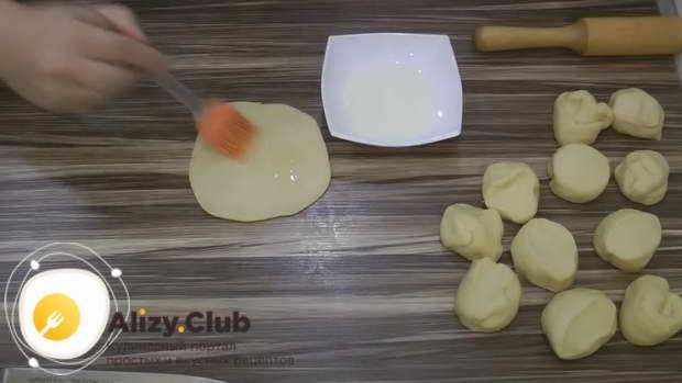 как делать плюшки с сахаром сердечком