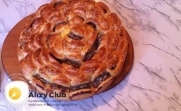 Мясной пирог хризантема готов