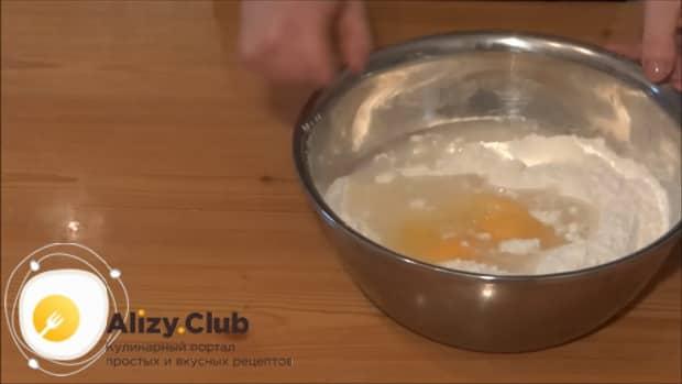 Готовим тесто для пельменей домашних в домашних условиях по пошаговому рецепту.