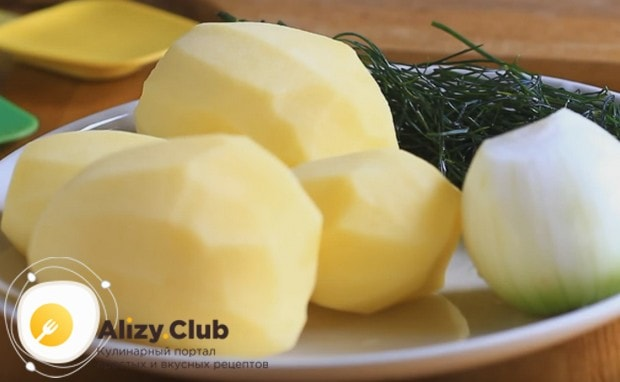Предлагаем вам простой рецепт постных драников из картошки.