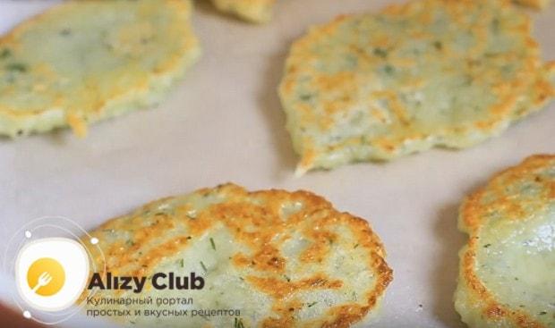 Приготовьте постные драники из картошки по нашему рецепту с фото, и даже в пост у вас получится вкусный и сытный ужин.