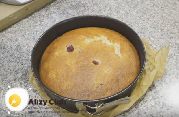 Вот мы и приготовили пирог с малиной по простому рецепту.