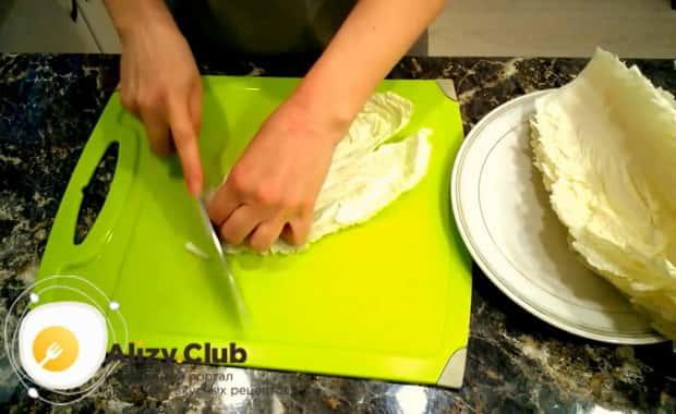 Готовим крабовый салат с китайской капустой