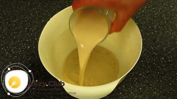 Готовим оладьи на молоке пышные без дрожжей по простому рецепту