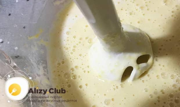 По рецепту, для приготовлению блинов на кулеше из пшена, взбейте ингредиенты