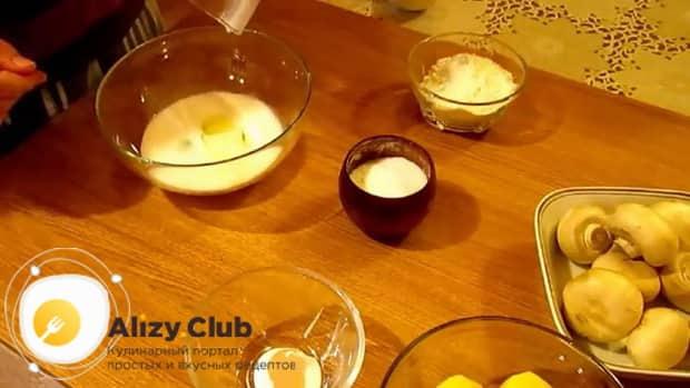 По рецепту для приготовления блинчиков с картошкой и грибами, приготовьте тесто