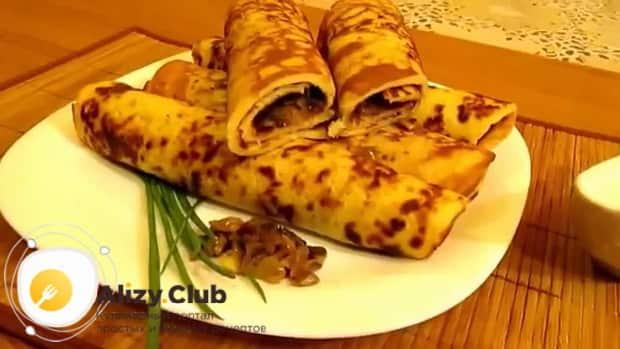 По рецепту для приготовления блинчиков с картошкой и грибами, подготовьте ингредиенты