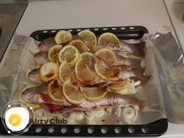 Для приготовления гольца в духовке. подготовьте ингредиенты