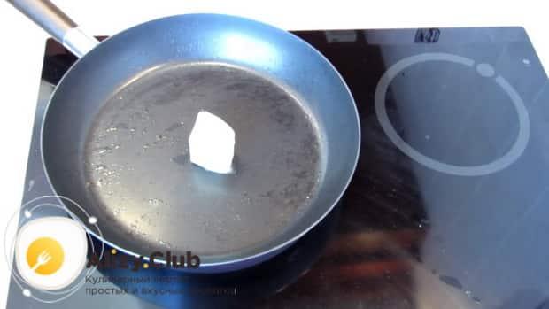 По рецепту для приготовления каннеллони, обжарьте масло