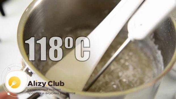 По рецепту для приготовления меренги, варите сироп до 118 градусов