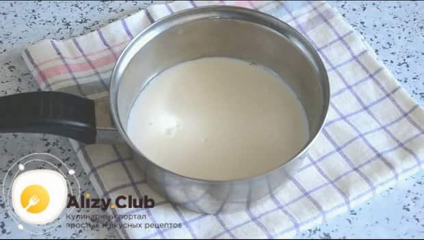 Приготовьте молочную лапшу в мультиварке
