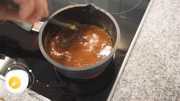 По рецепту для приготовления соуса для бургеров в домашних условиях, проварите ингредиенты