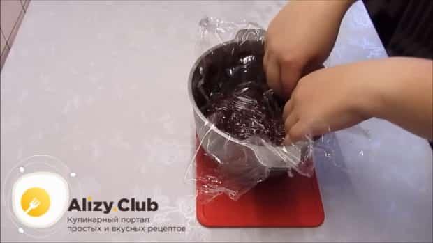 По рецепту для приготовления постного торта в домашних условиях. подготовьте начинку