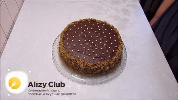 По рецепту для приготовления постного торта в домашних условиях. подготовьте крошку для присыпки