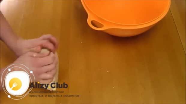 Для приготовления хинкала дагестанского с курицей. следуя рецепту с фото замесите тесто