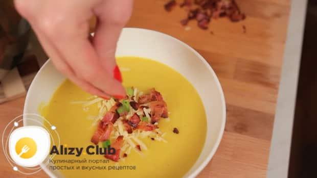 По рецепту для приготовления супа пюре из тыквы со сливками, подготовьте все необходимое