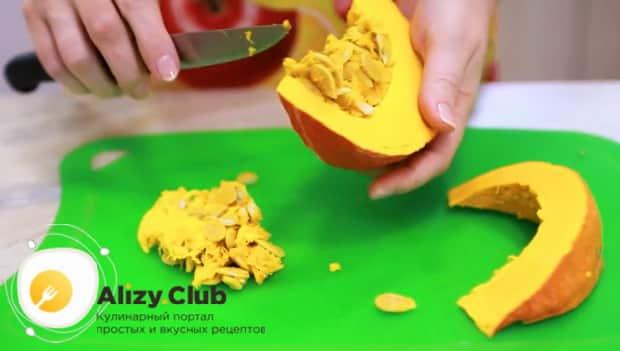 Быстро и вкусно готовим оладьи из тыквы по простому рецепту.