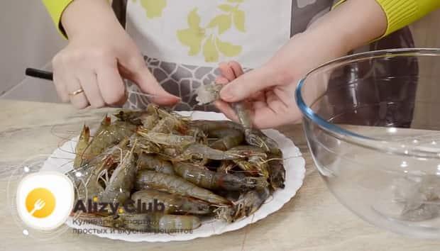 Лучший рецепт салата цезарь с креветками и сухариками