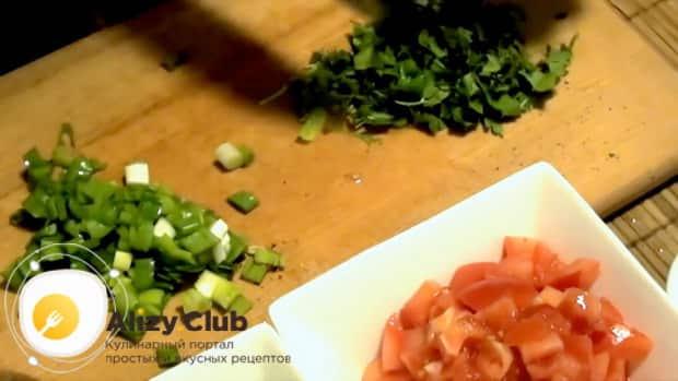 Готовим салат с копчеными мидиями