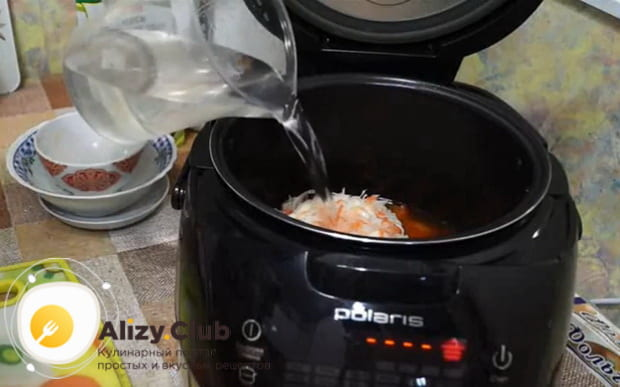 Заливаем ингредиенты водой