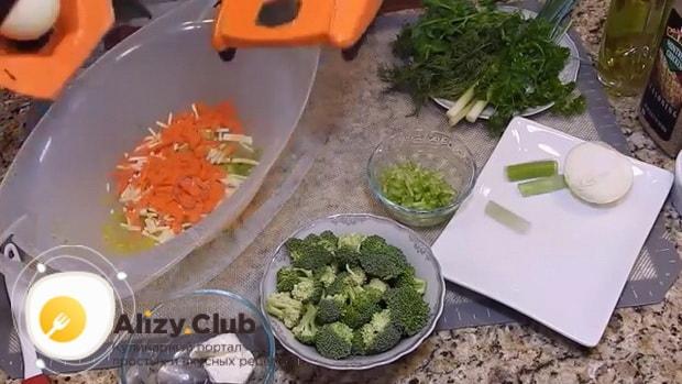 Простой рецепт супа с брокколи и курицей