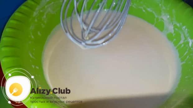 По рецепту для приготовления тонких блинов на топленом молоке. приготовьте тесто