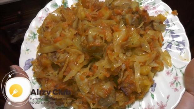 Для приготовления  тушеной капусты с мясом и картошкой, подготовьте ингредиенты