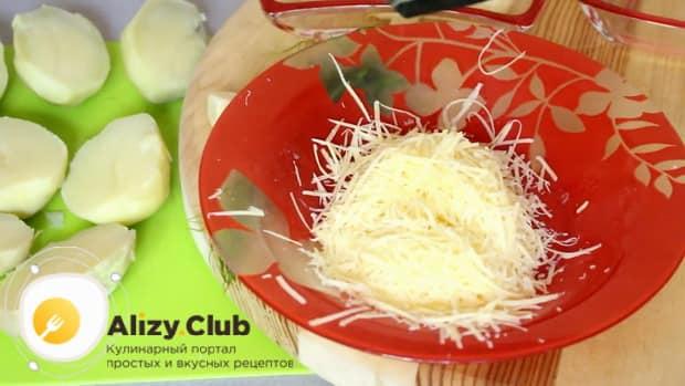 Как готовится картошка в духовке с сыром и майонезом