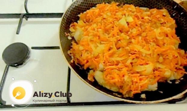 Для приготовления минтая жареного с морковью и луком. соедините ингредиенты