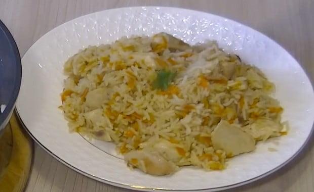 Как приготовить жареный на сковороде рис с курицей по рецепту с фото