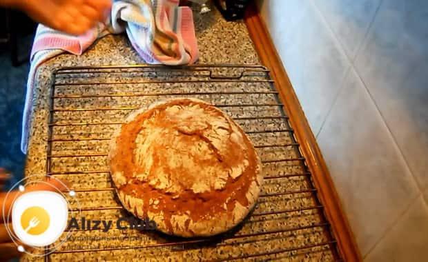 Для приготовления хлеба на закваске, разогрейте духовку