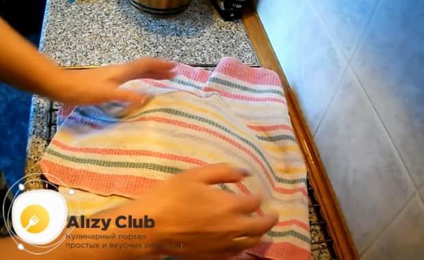 Для приготовления хлеба на закваске, подготовьте ингредиенты