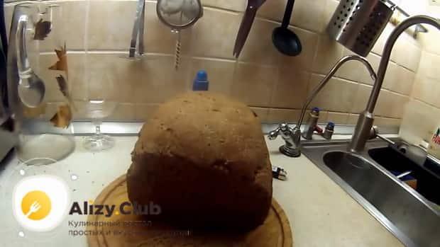 По рецепту для приготовления ржаного хлеба на закваске, подготовьте все ингредиенты