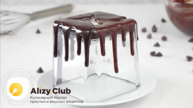 Видео рецепта шоколадного ганаша для покрытия торта с подтеками