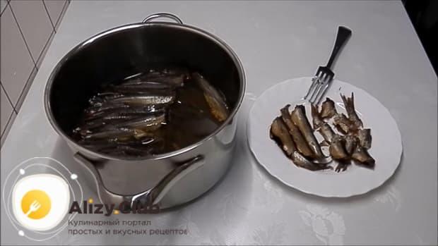Вкусные шпроты из мойвы в домашних условиях готовы