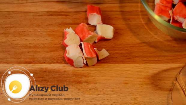 салат из морского коктейля в масле