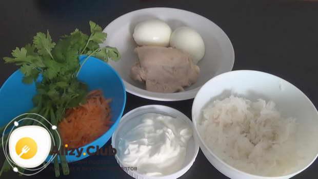 Рецепт салата с дайконом, курицей и яйцом