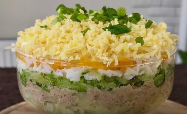 Как приготовить салат с печенью трески по пошаговому рецепту с фото