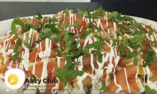 Украшаем блюдо зеленью и подаем на стол!