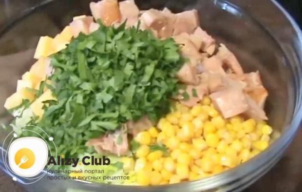 Попробуйте приготовить вкусный салат с копченым окорочком