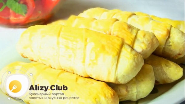 Готовые сосиски в слоеном тесте в мультиварке можно есть и горячими или холодными