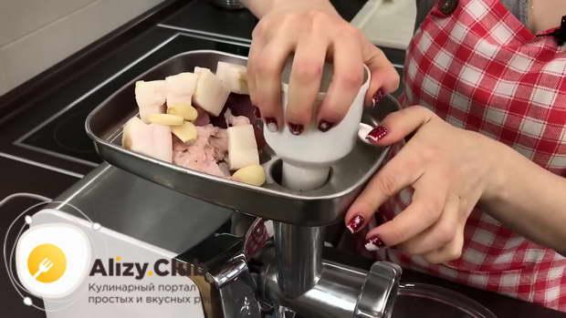 рулет из свинины запеченный в духовке