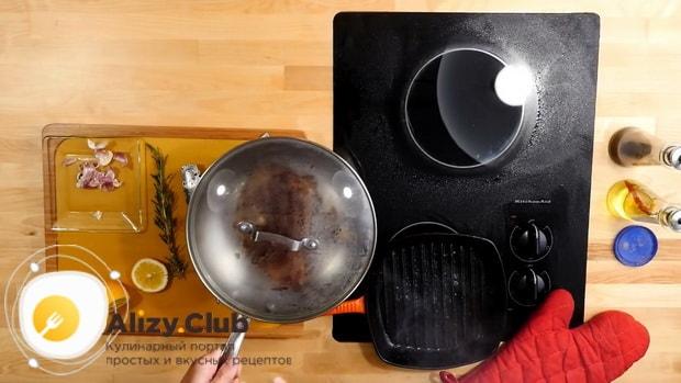 Для приготовления стейк рибай по необходимости запеките мясо в духовке