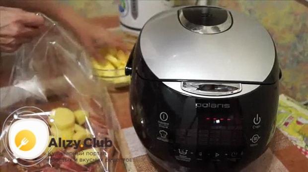 Для приготовлления свиного окорока в мультиварке. подготовьте ингредиенты