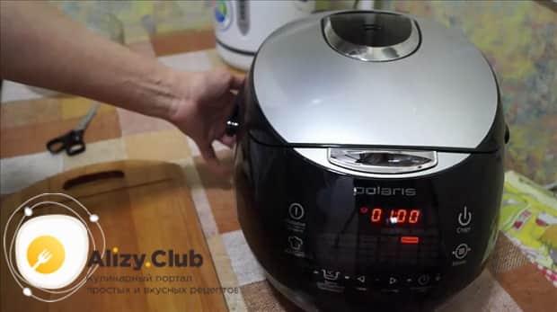 Для приготовлления свиного окорока в мультиварке. включите нужный режим