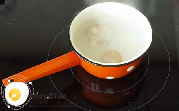 Можно также приготовить тарталетки с яйцом и крабовыми палочками.