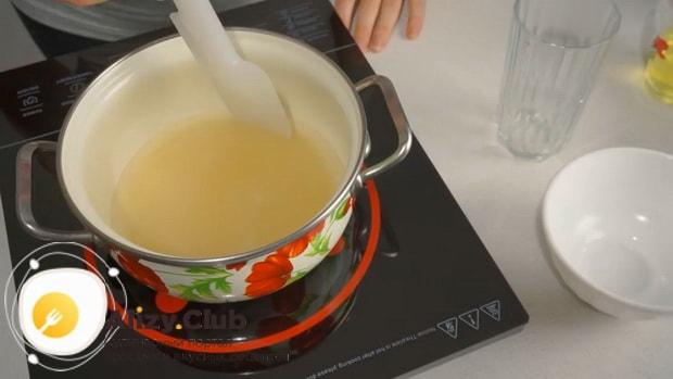 Смотрите рецепт белкового заварного крема для украшения торта