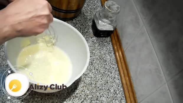 Для приготовления теста на майонезе для любой выпечки, подготовьте ингредиенты